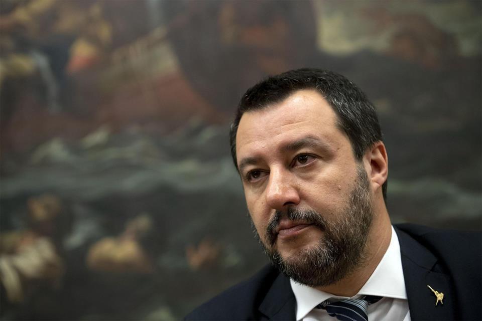 Salvini detta le condizioni: 'Giù le tasse o andiamo a casa'