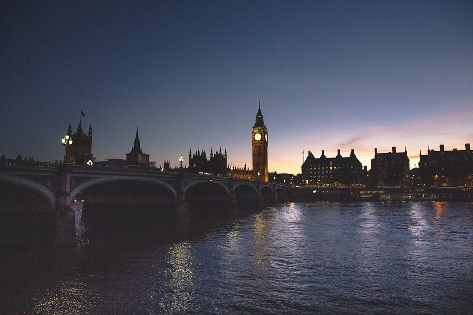 Terrore al Londra: accoltellate tre ragazze, una è grave