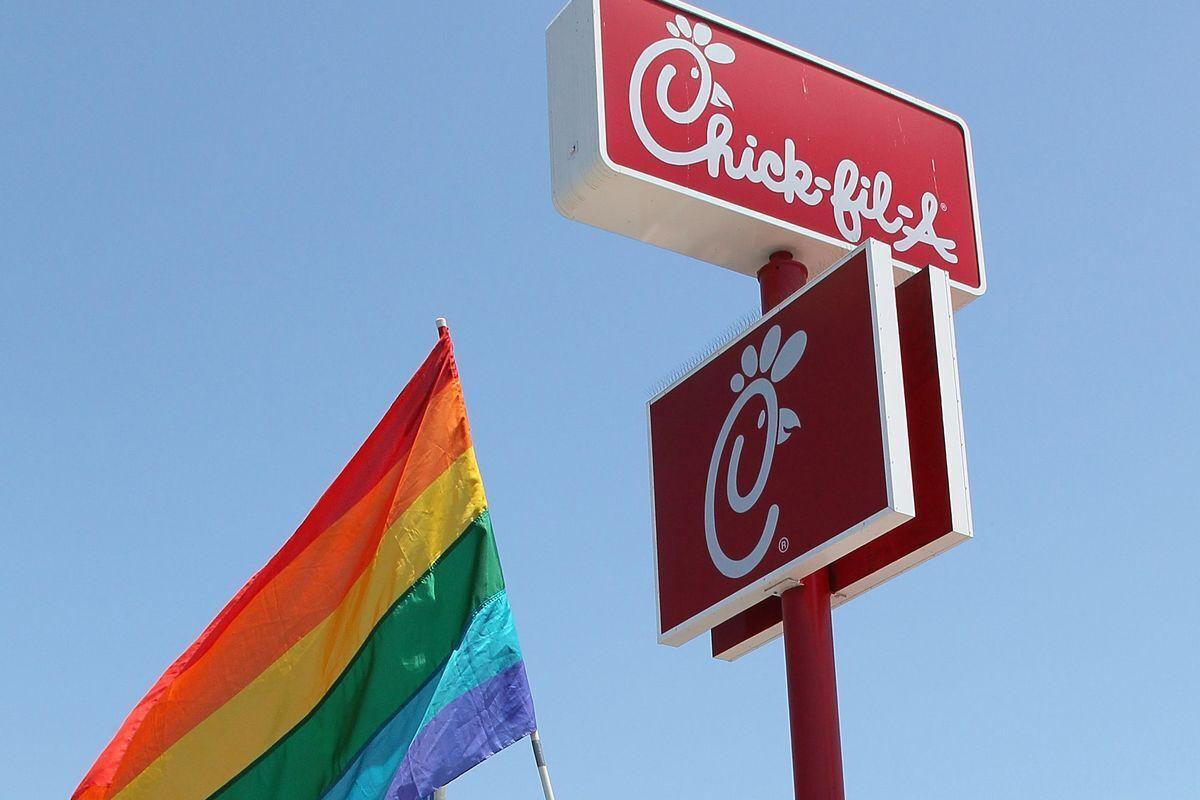 Gruppi LGBT spingono catena di fast food a sospendere supporto a opere cristiane