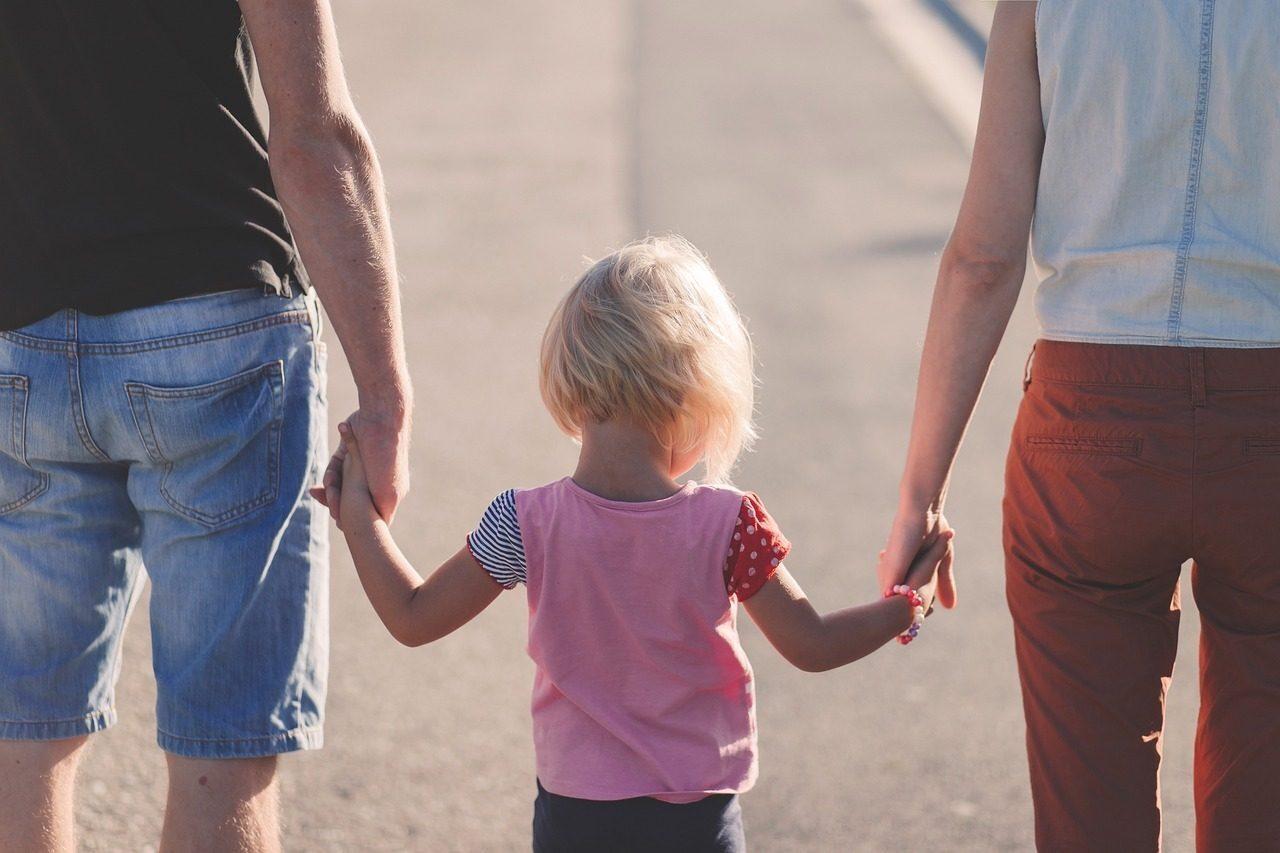 Regno Unito, nasce associazione di genitori contro le transizioni dei bambini