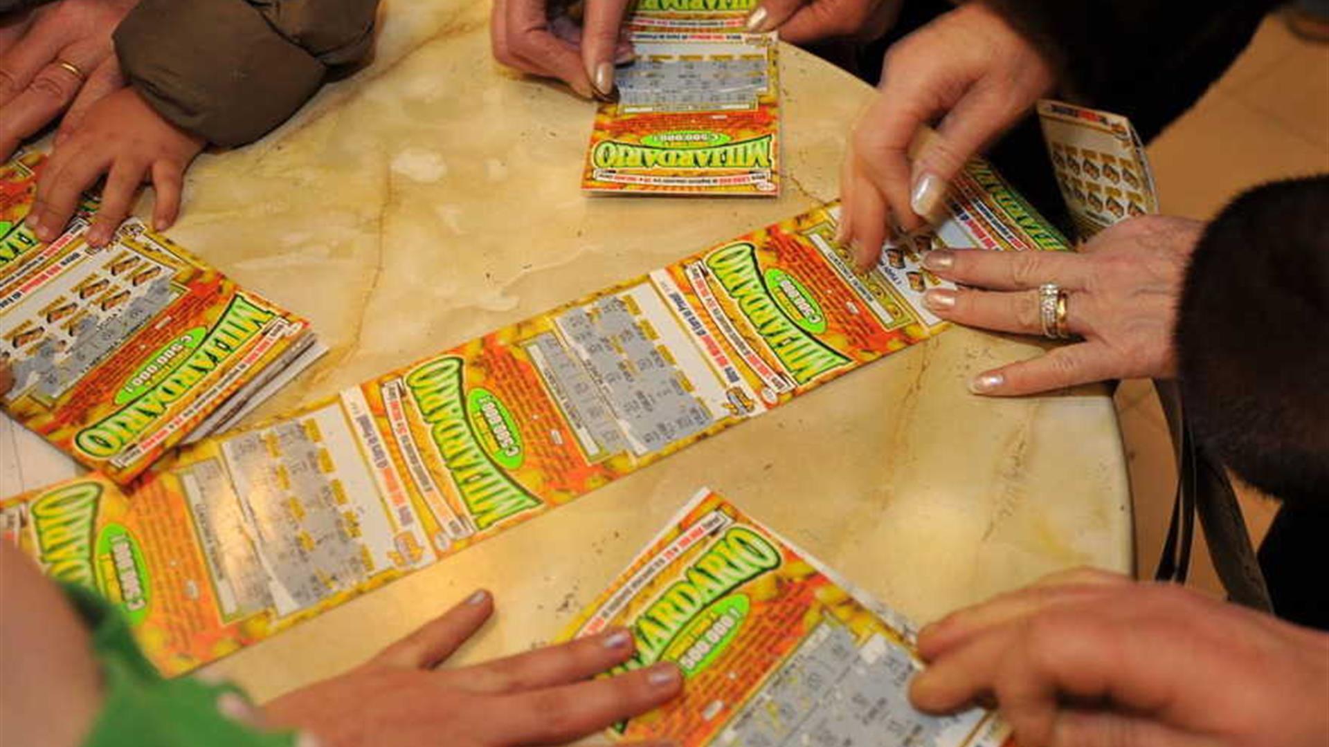 Truffa dei Gratta e Vinci: tabaccaio vendeva solo i biglietti perdenti
