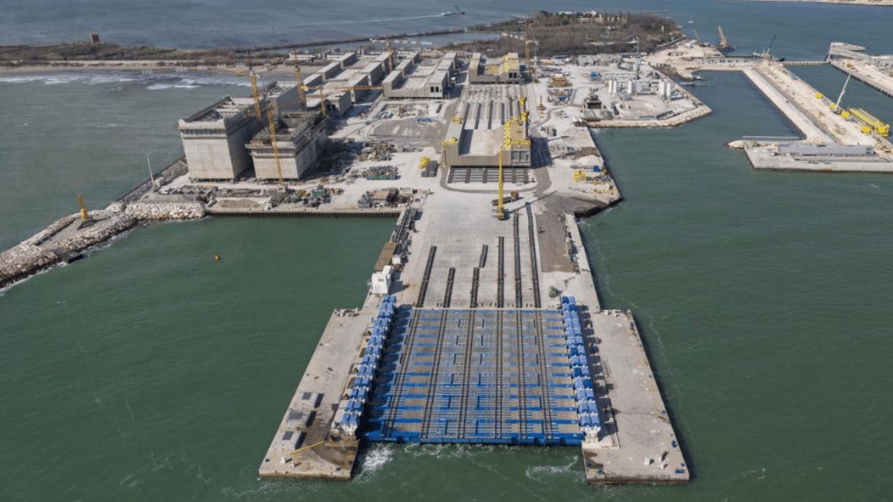 Prevista acqua alta a Venezia: si alzano ancora le paratie del Mose