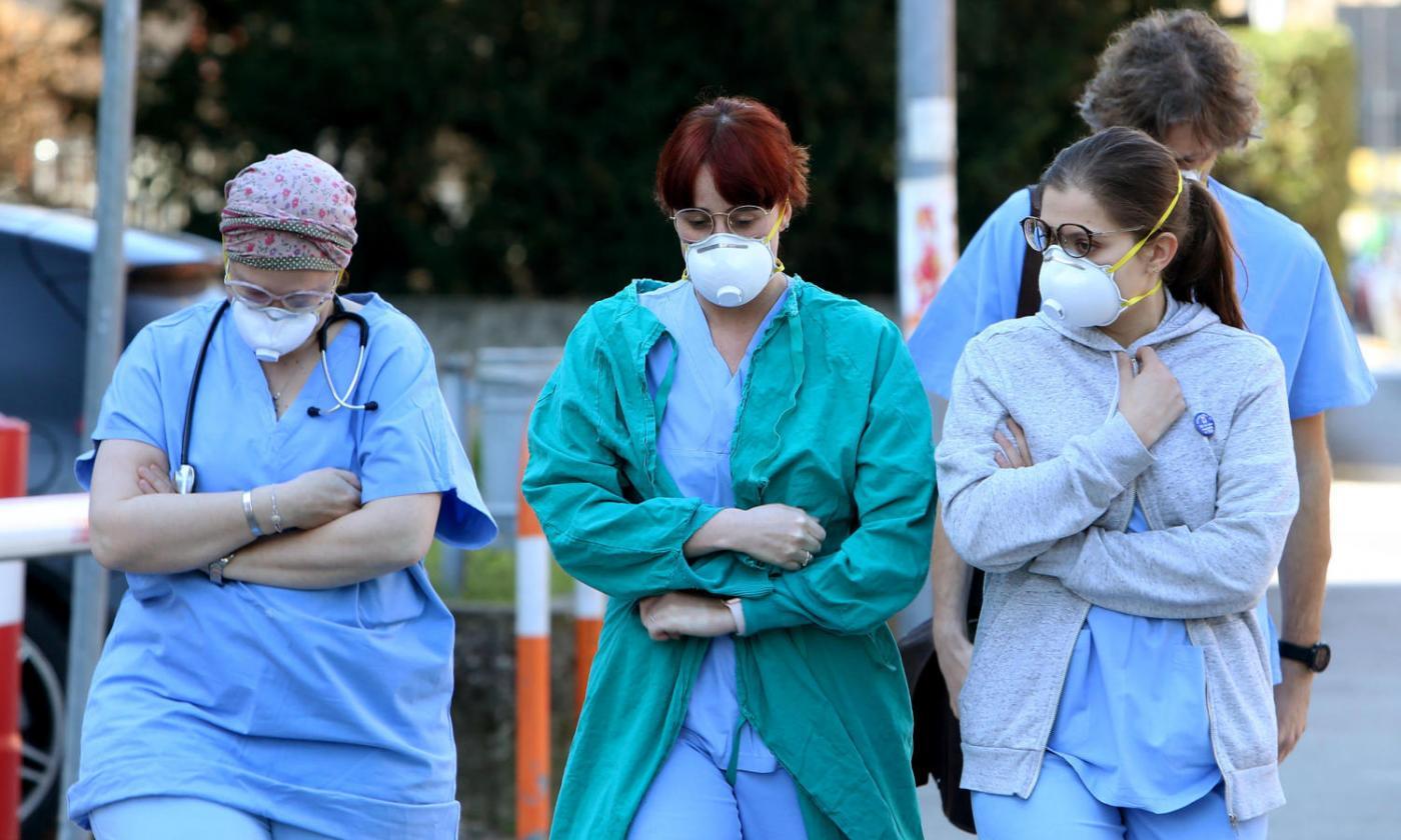 Aumentano i casi di Covid-19 in Italia: 11.705 contagi, 69 morti