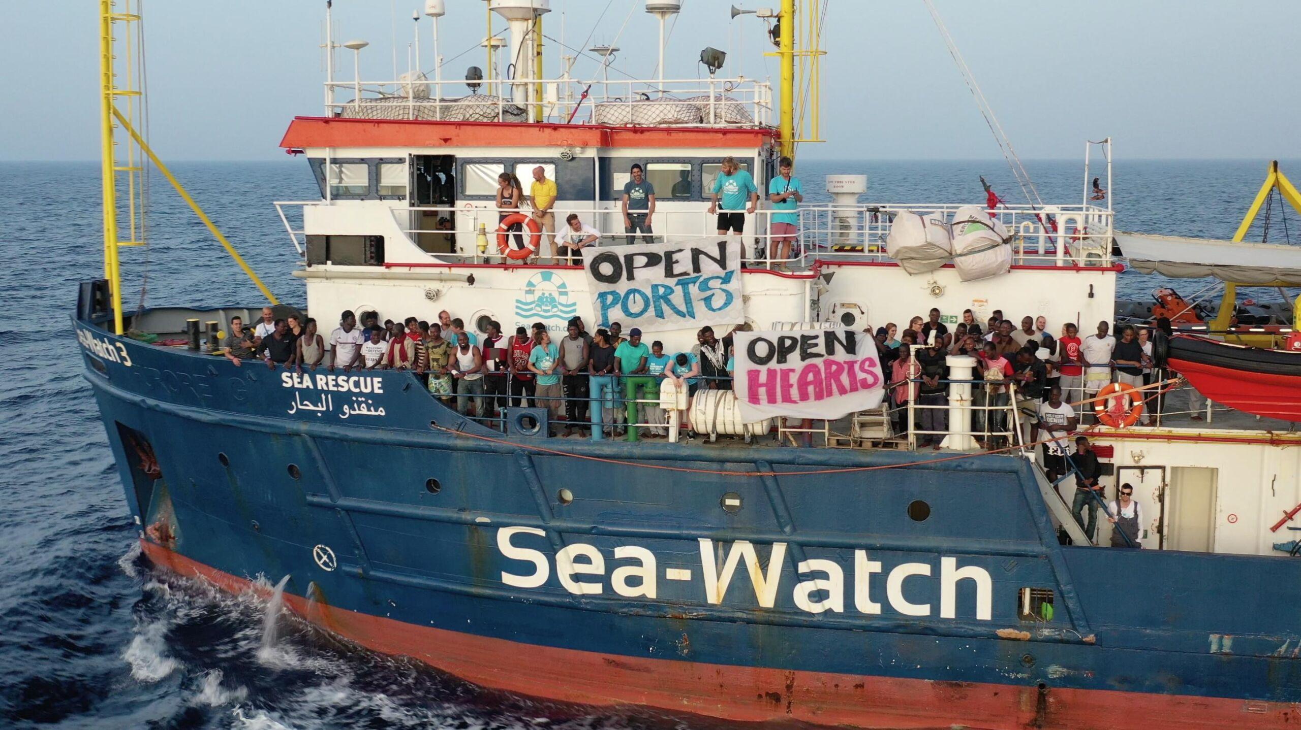 Migranti positivi in Italia, Lega e Fratelli d'Italia all'attacco del Governo