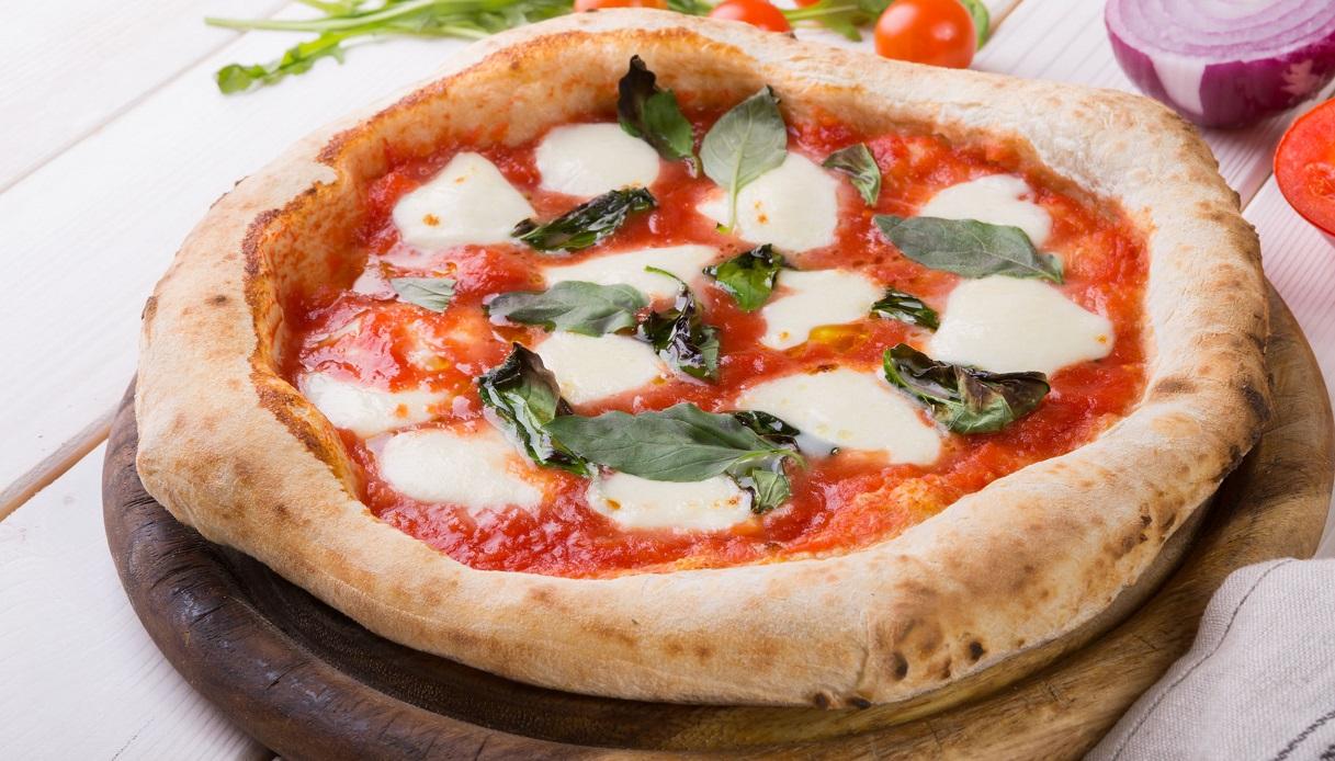 Compleanno amaro per la Pizza Margherita: calo di vendite e posti di lavoro a rischio