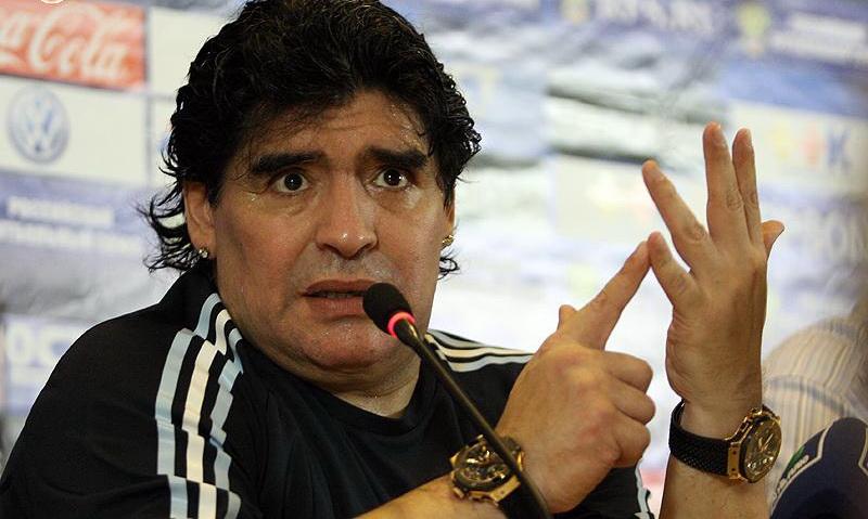 È morto Diego Armando Maradona, aveva 60 anni