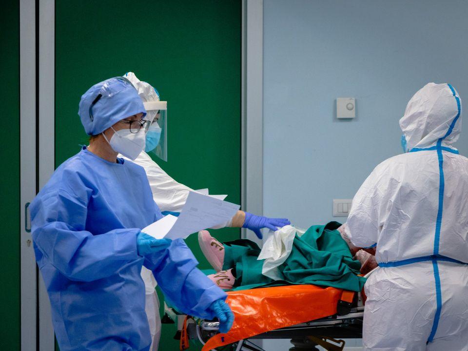 Coronavirus, 22930 nuovi contagi e 630 morti: boom di guariti