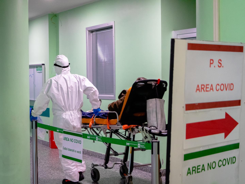 Vaccino anti-Covid, all'Italia andranno 27,2 milioni di dosi