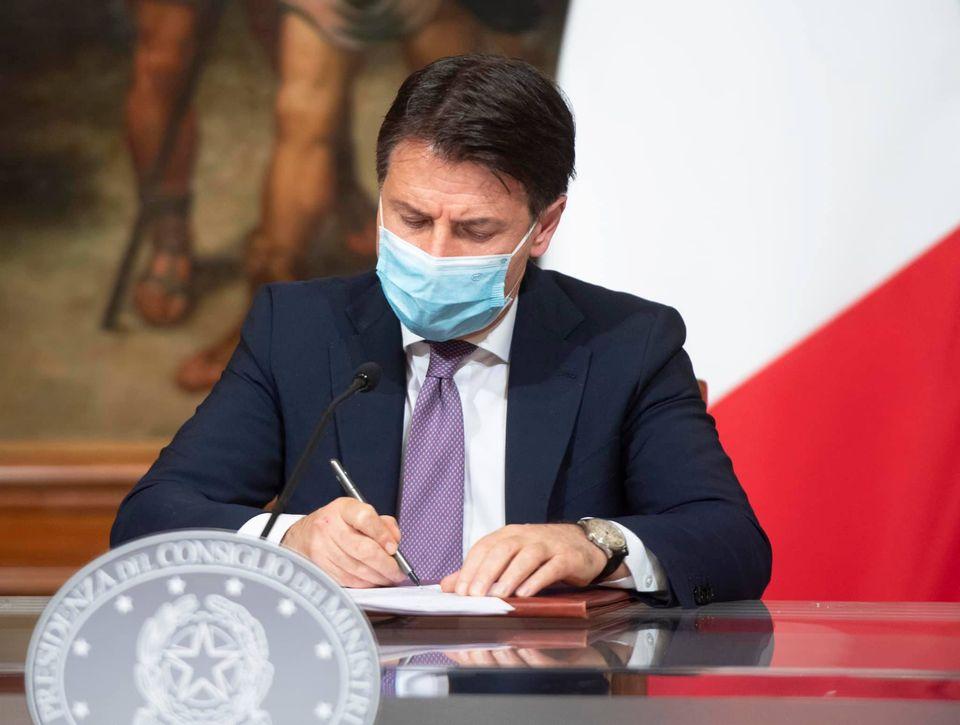 """Dl Ristori, Conte: """"Da lunedì accredito a 211 mila imprese"""""""