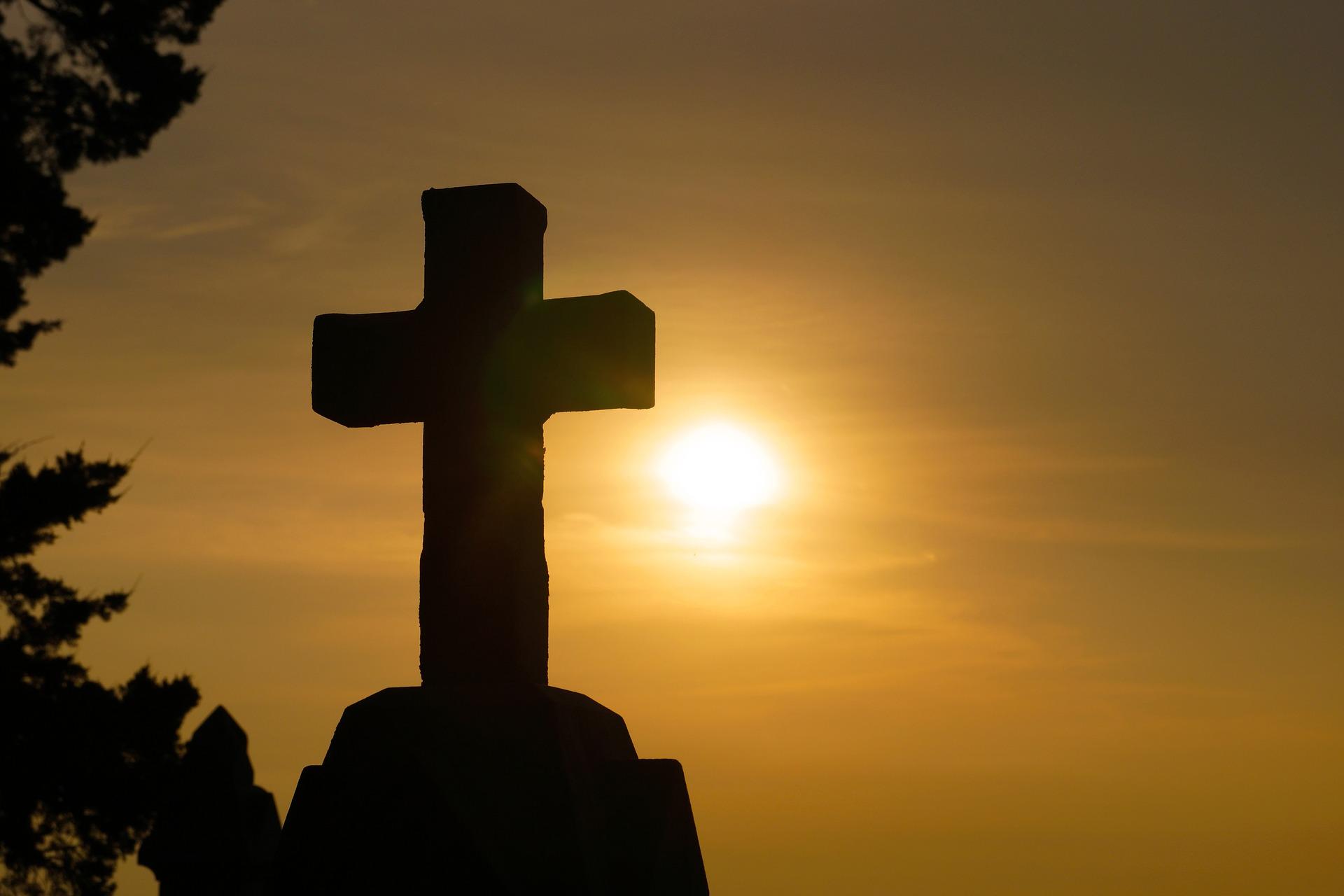 Uccisi e perseguitati, non si ferma la violenza contro i cristiani: 4 morti in Indonesia