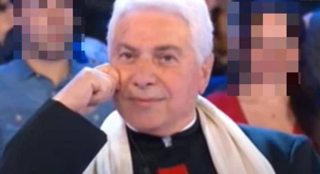 Fiamme in una comunità a Riposto, muore un prete di 78 anni