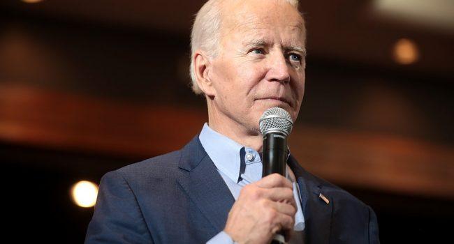 Joe Biden emette l'ordine esecutivo LGBTQ+ più ad ampio raggio nella storia Usa