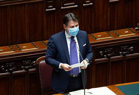 Fiducia al Governo, la Camera approva con 321 sì e 259 contrari: Polverini lascia FI