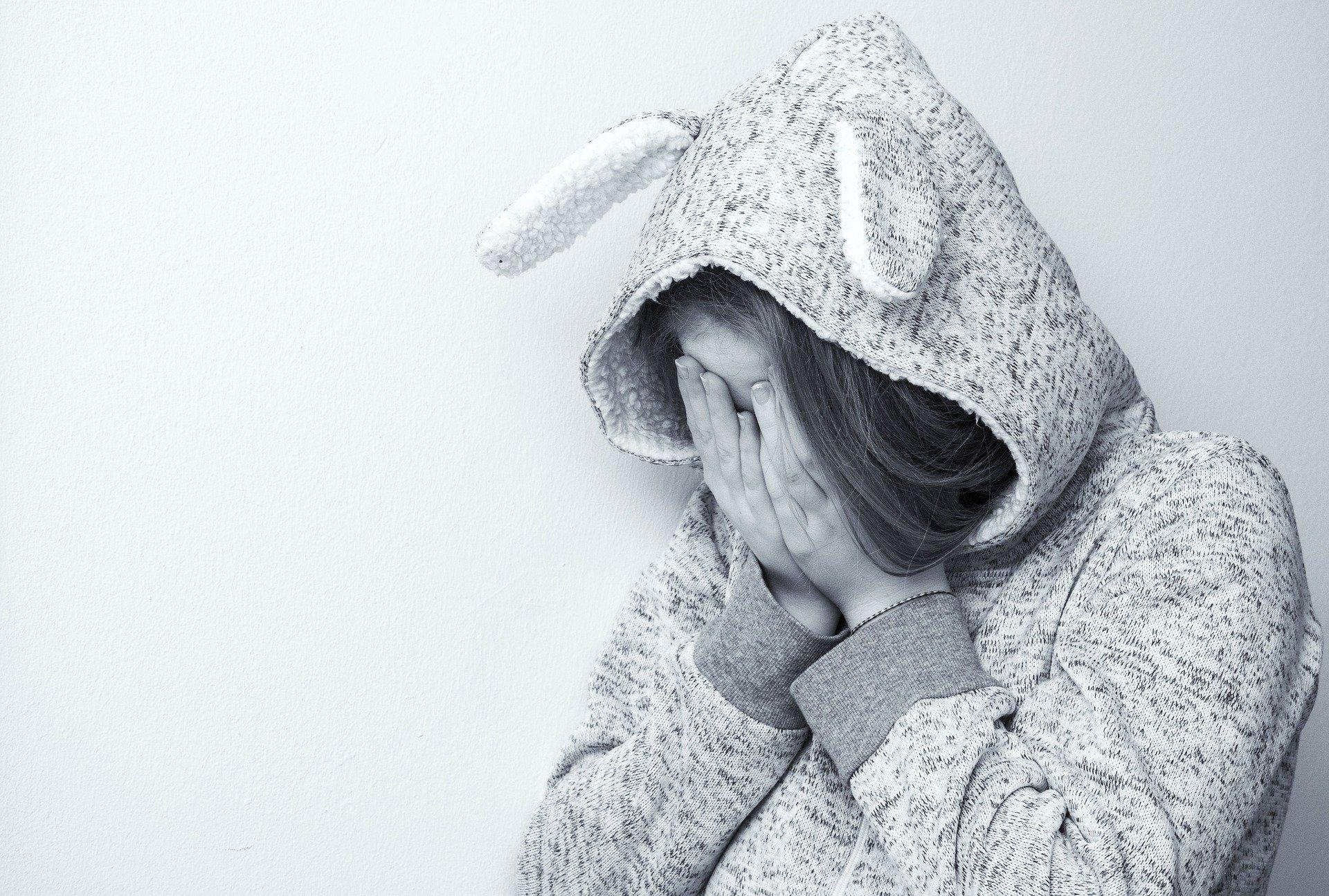 Autolesionismo e suicidio, boom tra giovanissimi: dati shock da Oms e Istat