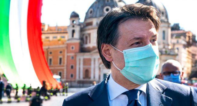 """Crisi di governo, Conte: """"Che il Paese si rialzi in fretta e possa mettere alle spalle la pandemia"""""""