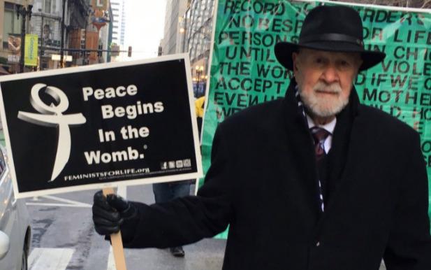 Morto Joe Scheidler a 93 anni: era figura di spicco anti-abortisti